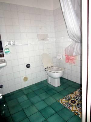Italy Rovigo Tenuta Castel Venezze Bathroom-2